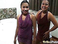 Beiden geilen Filipina Mädchen teilen man Glück Kerl weiße der Hahn