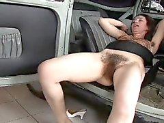 Mulher realmente Peluda Fodido no carro