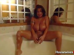 fuck my flexible huge titted body in the bath!