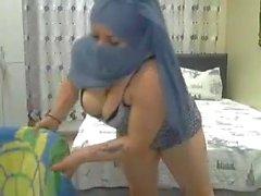 Beautiful Hijabi Lady webcam show