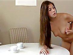 Jovem hardcore Seios pequenos - Visite meu perfil para mais vídeos!