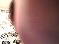 Sıcak amatör genç kız webcam üzerinde doggystyle becerdin