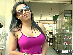 Seyx dark haried wife Lola getting seduced