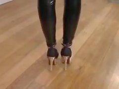RED & BLACK LEGGINGS -- mdm