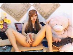 Asian Transvestiten streicht er-kleinen Schwanz auf cam