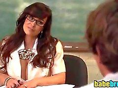 Busty opettaja haluaa opiskelija