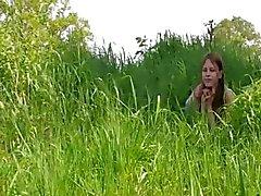 Casal jovem deepfucking pelo lago