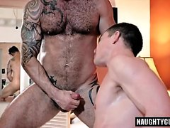 Tattoo gay dubbel penetration med creampie