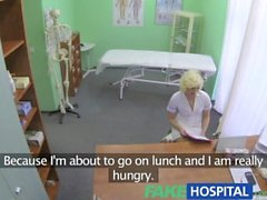 FakeHospital Rencontre sexuelle intense entre un patient bisexuel et une blonde