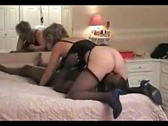 Blond milf enjoys gang and fisting bangs