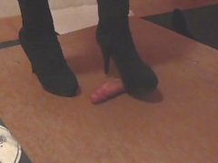 Black high boots cockcrush with cumshot