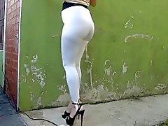Puta Argentina en calza blanca