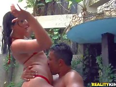 Loupan gets his hands on hot brunette in pool