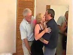 Äldre Swinger trio på ett hotell