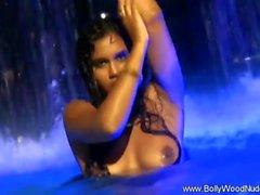 Principessa indiana in acqua