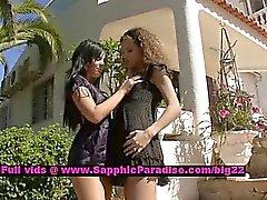 Juliete y de Madi hermosas chicas lesbianas burlas