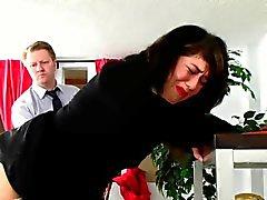 Ofice Prügelstrafe drei