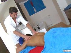 sessão de massagem Hot para o indivíduo homossexual