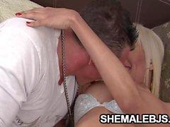 Danielle Una Sesión de Mamada Sucia