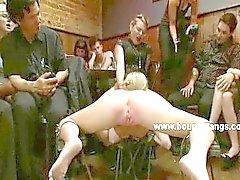 Médicos assistentes Kinky e sexo em grupo