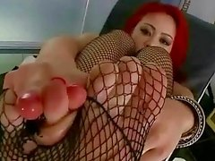 mia lelani showing off her sexy feet
