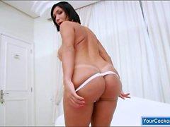 Massivem Titten Shemale Sabrina Suzuki abspritzt die fetten Prügel