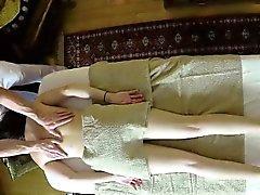 Nasty masseur tunkeutumasta tyhjään asiakkailleen