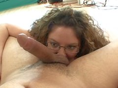 Filthy MILF bitch gives a cock sucking before getting pussy rammed