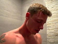 Muscle minet sexe anal avec Creampie