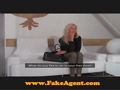 FakeAgent Anna Kournikova???