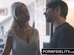 PORNFIDELITY Bridgette B Congratula-se com seu irmão Início