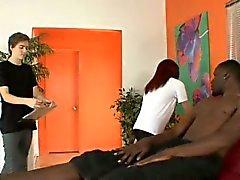 A Jenna coge a su esposo un puesto en le estudio del masaje , e