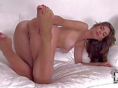 Completely naked breathtaker Charlotta shows off her bare feet