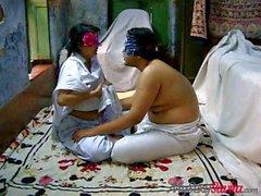Savita Bhabi sendo fodida por Young Boy