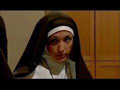 Jasmine Jem & Ariella Ferrera Lesbiche Nuns