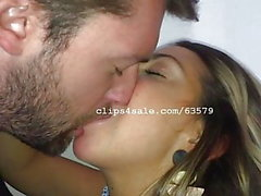 Dave und Samantha Kissing Video 5