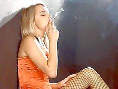 Chloe smoking reds 100