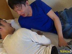 Japanska tonåringar sextio nio