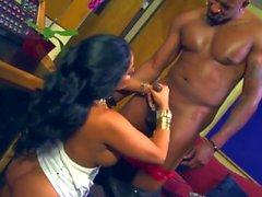 Hot & Sexy Kiara Mia - Latina Stora Bröst & Big Ass 2
