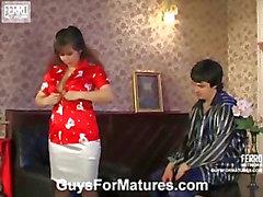 Shenythia&Adam seductive mom in action