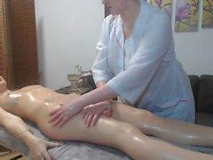 Massage Lesbische Reife Frau Hausfrauen Massage