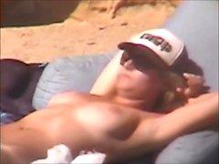 Blonde rannalla ulkona seksiä