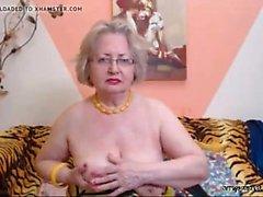 Büyükanne webcam önünde sıyırma
