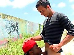 Thug de Nubian rides cock
