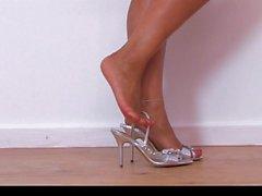 Donna Ambrogio AKA Danica Collins - Masturbazione con i piedi