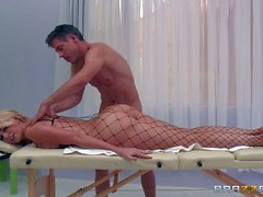 Round assed massage babe Gigi Allens in fishnet body stocking