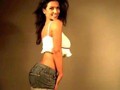 Denise Milani sexy weißes Top - Nicht nackten