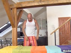 Shaggy Mann erwirbt eine anal von Masseur löffelt