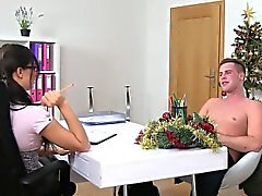 Sexy female agent bangs amateur dude on the couch