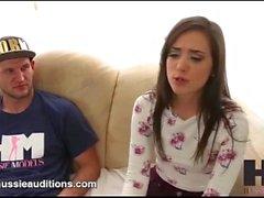 Hussie Auditions - Tiny Big Butt Gia Paige i hennes första riktiga audition